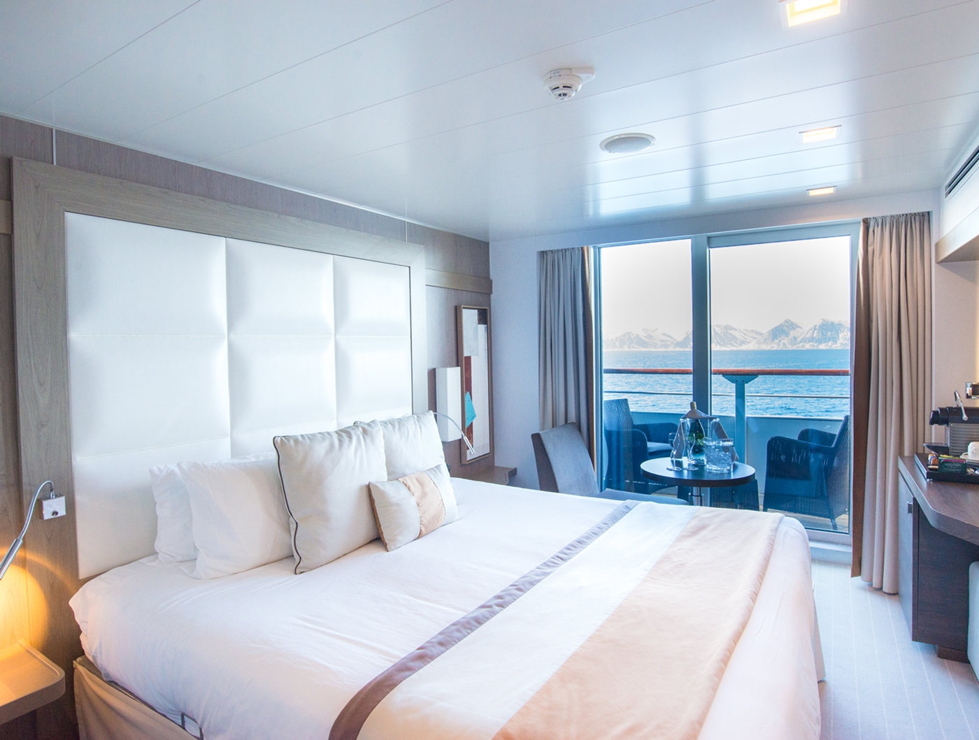 albatross room with balcony view1400